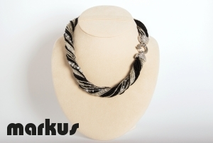 Dany 12 Glass necklace